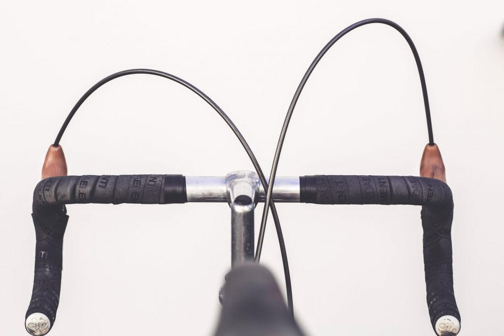 Drop Bars Vs  Flat Bars: My Pros and Cons List - Where The Road Forks