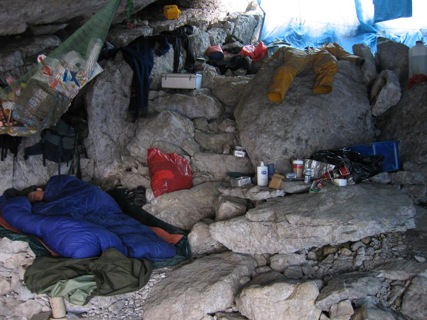Quilt camping in a cave
