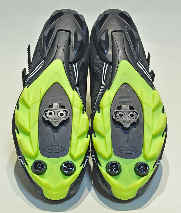 clipless shoes with cleats