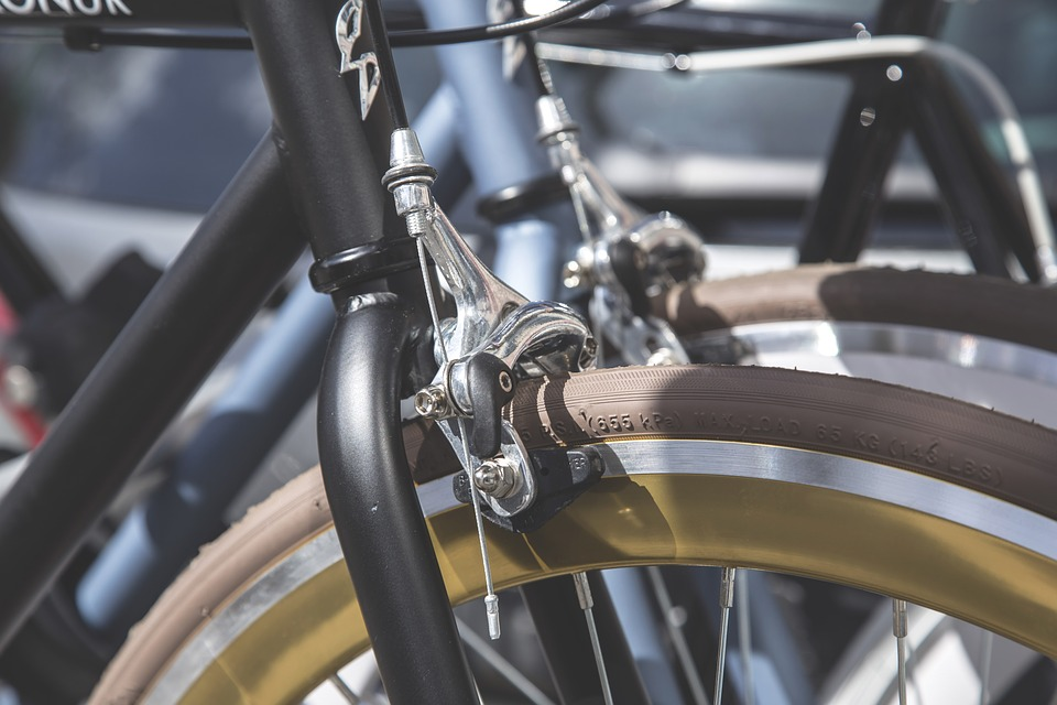 Front rim brake on a bicycle
