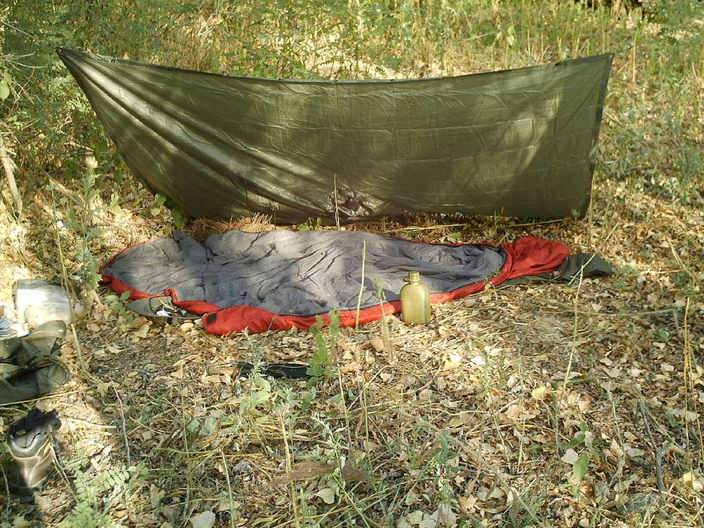 lean to camping tarp pitch