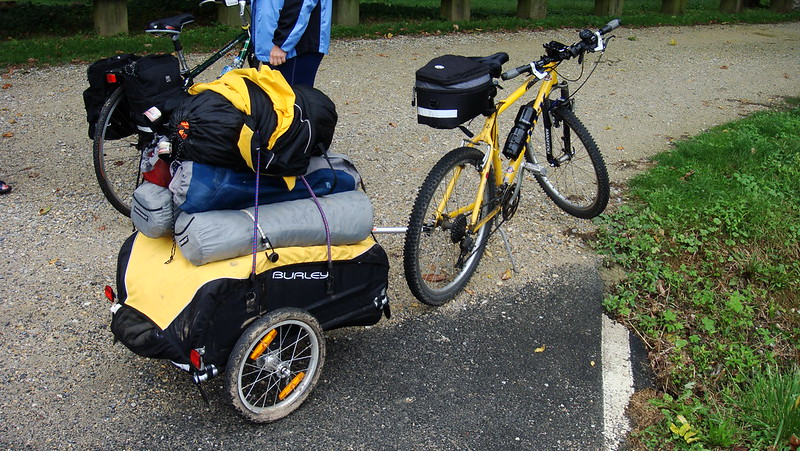a two wheeled trailer