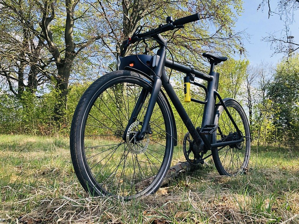 Electric bike with disc brakes