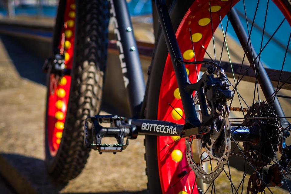 a fat bike rear wheel